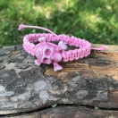 Punutud käepael roosa pealuu