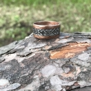 Pähklipuust sõrmus käsitsi punutud celticpunutisega